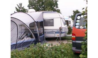 Camping zwischen Sommer und Winter